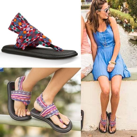 e7a971b9fe0147 New SANUK Yoga Sling 2 Sandal Triangle Print. M_5af3ab749d20f066de8e53a9